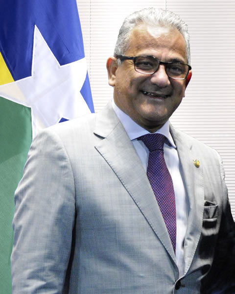 Pastor Valadares